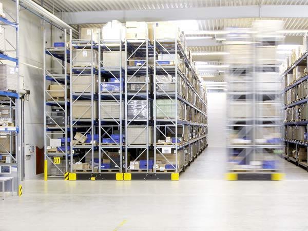 Magazzini compattabili montaggio assemblaggio for Grandi magazzini mobili